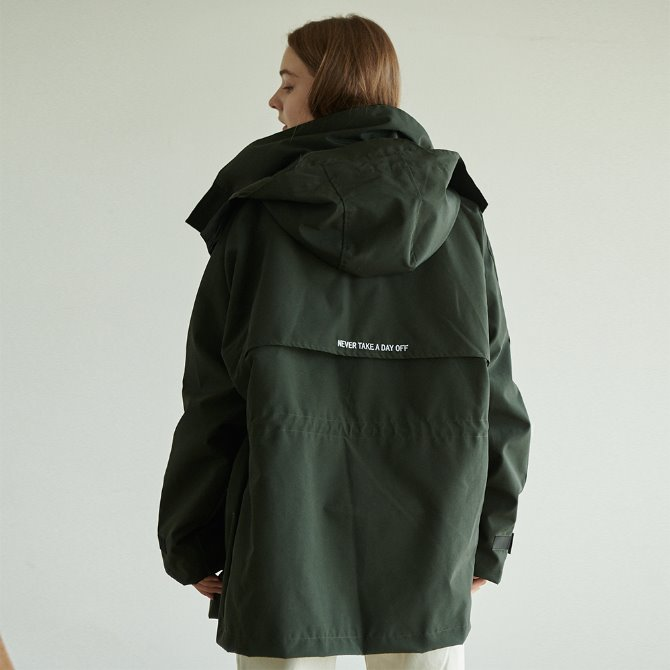 UNISEX OVERFIT BACK WING WINDBREAKER KHAKI