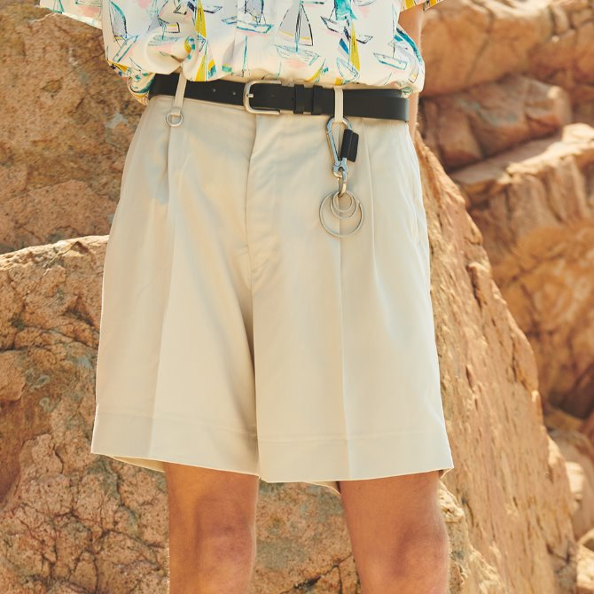 UNISEX TWO TUK WIDE SHORT PANTS IVORY